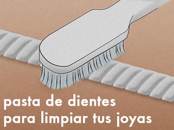 Pasta de dientes para limpiar tus joyas
